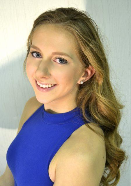 Erin Lyons headshot