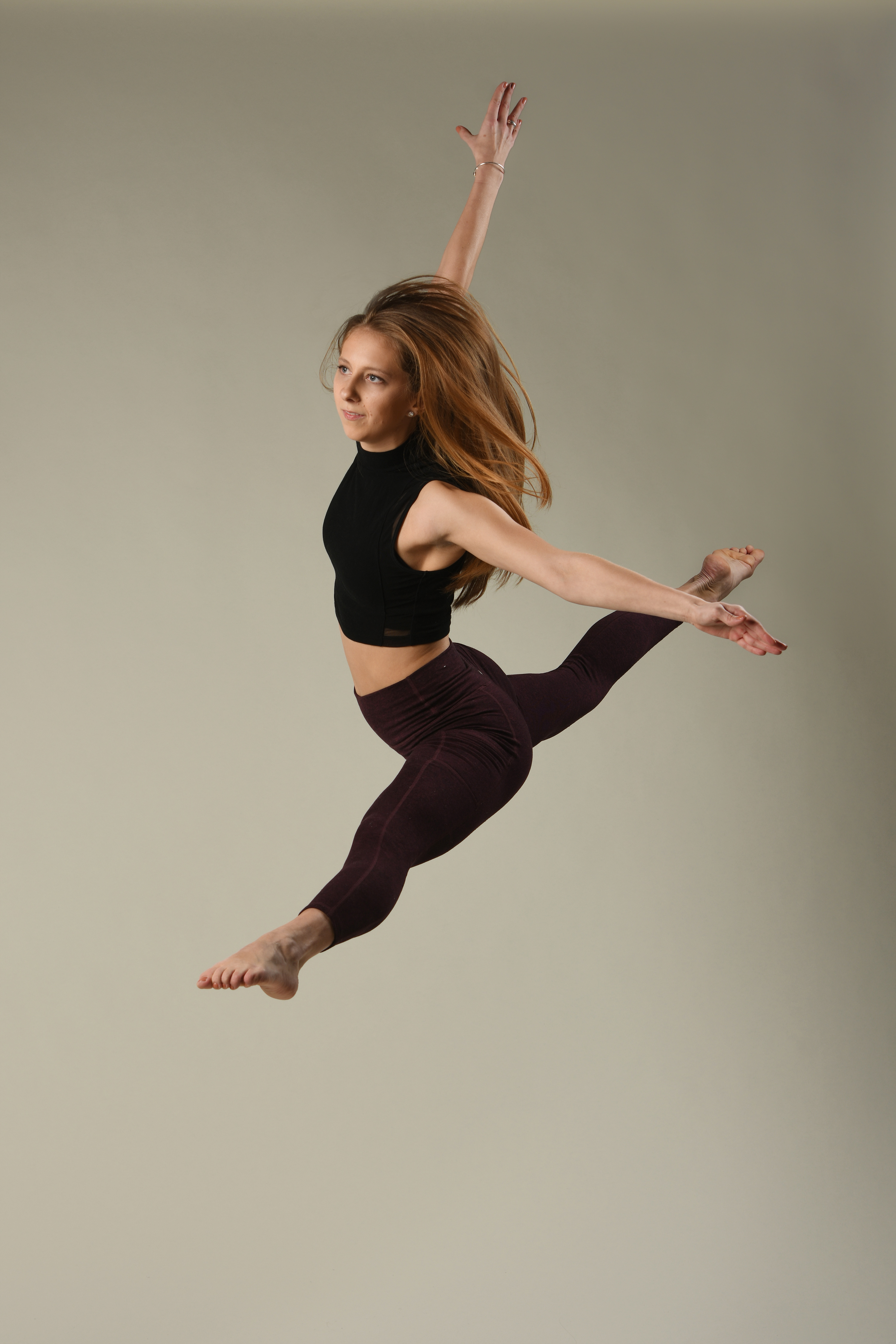 Erin Lyons jump